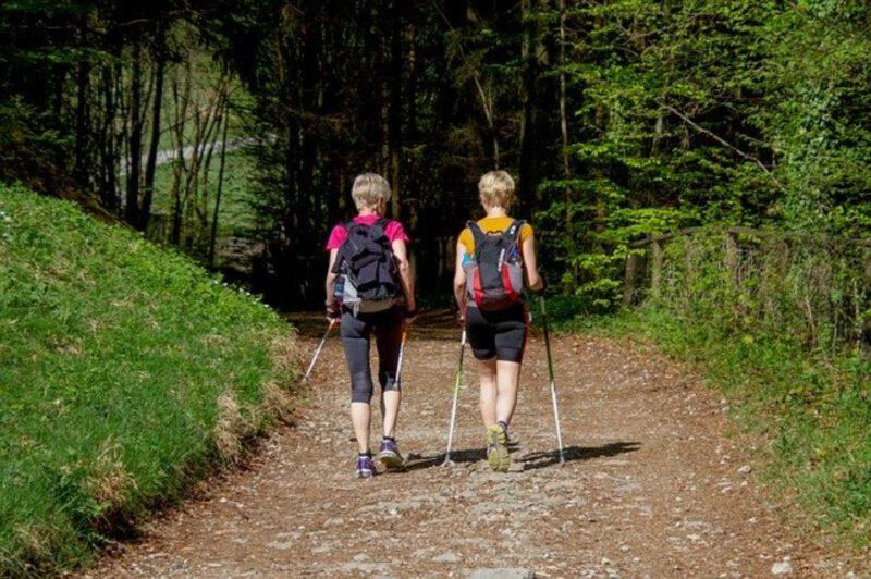 Poznaj największe zalety nordic walking!