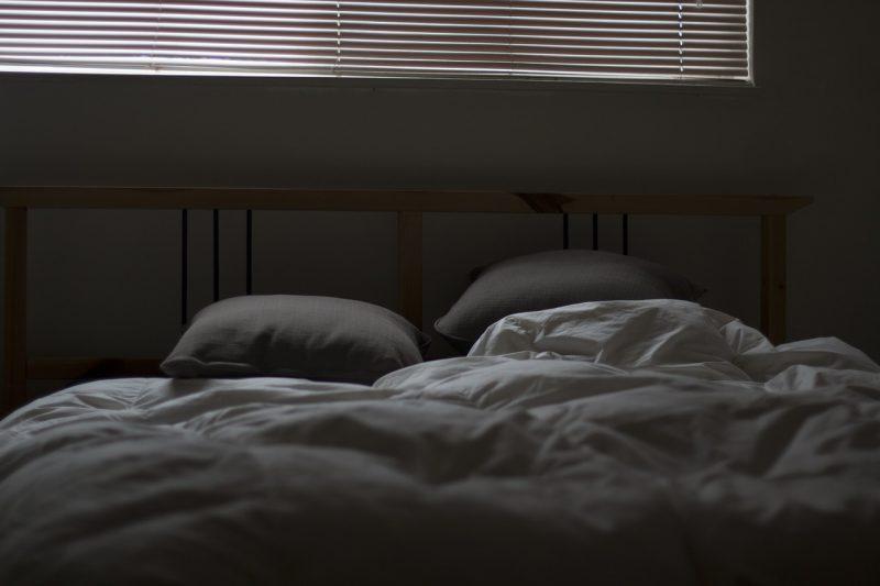 Poduszka puchowa – dla kogo jest przeznaczona?